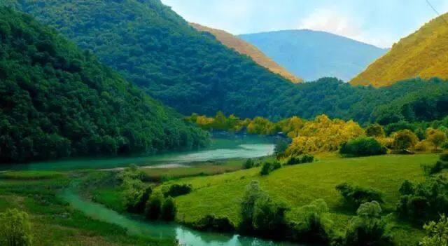 塞尔维亚:维密超模!上榜《孤独星球》!这个消费堪比东南亚的欧洲国家还免签 签证攻略 第1张